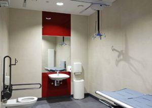 Ausstattung einer Pflegetoilette