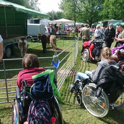 Behinderte-Kinder-auf-einer-durch-Spenden-finanzierten-Freizeit-in-Burgdorf