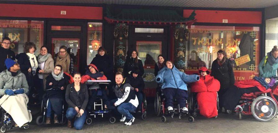 Schwerst behinderte Kinder beim durch Spenden finanzierten Jugendtreff in Hannover
